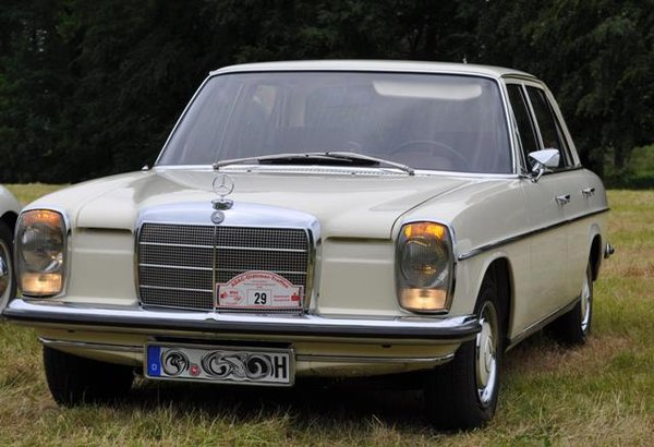 Wartung Mercedes W115 Strich 8